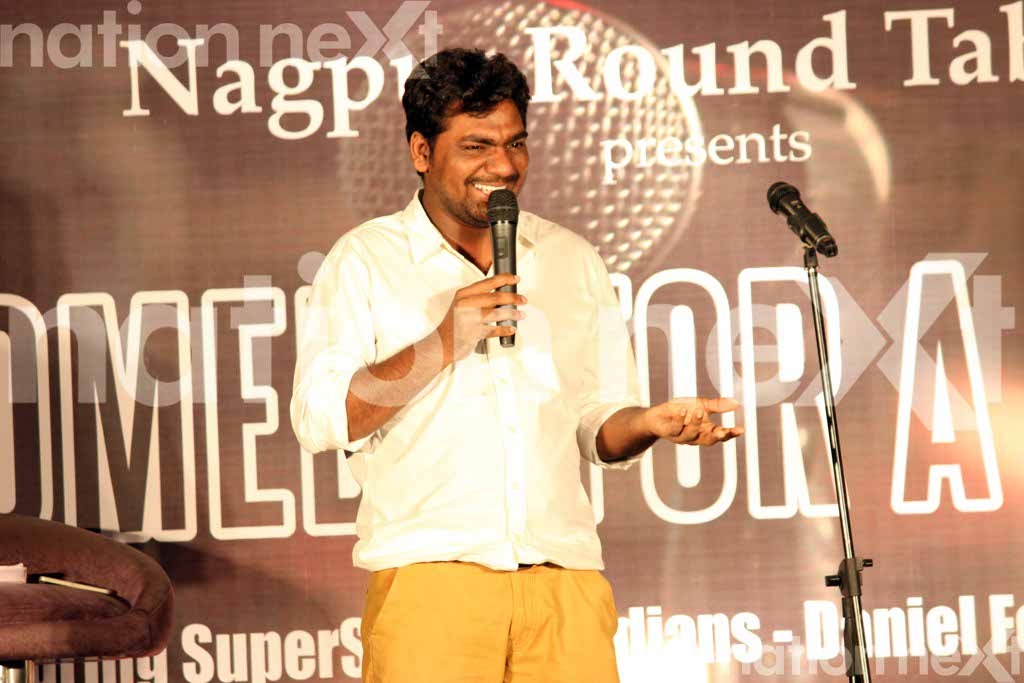 Daniel Fernandes and Zakir Khan were in Nagpur for the event 'Comedy for a cause' organised by Nagpur Round Table 83 in 2015.