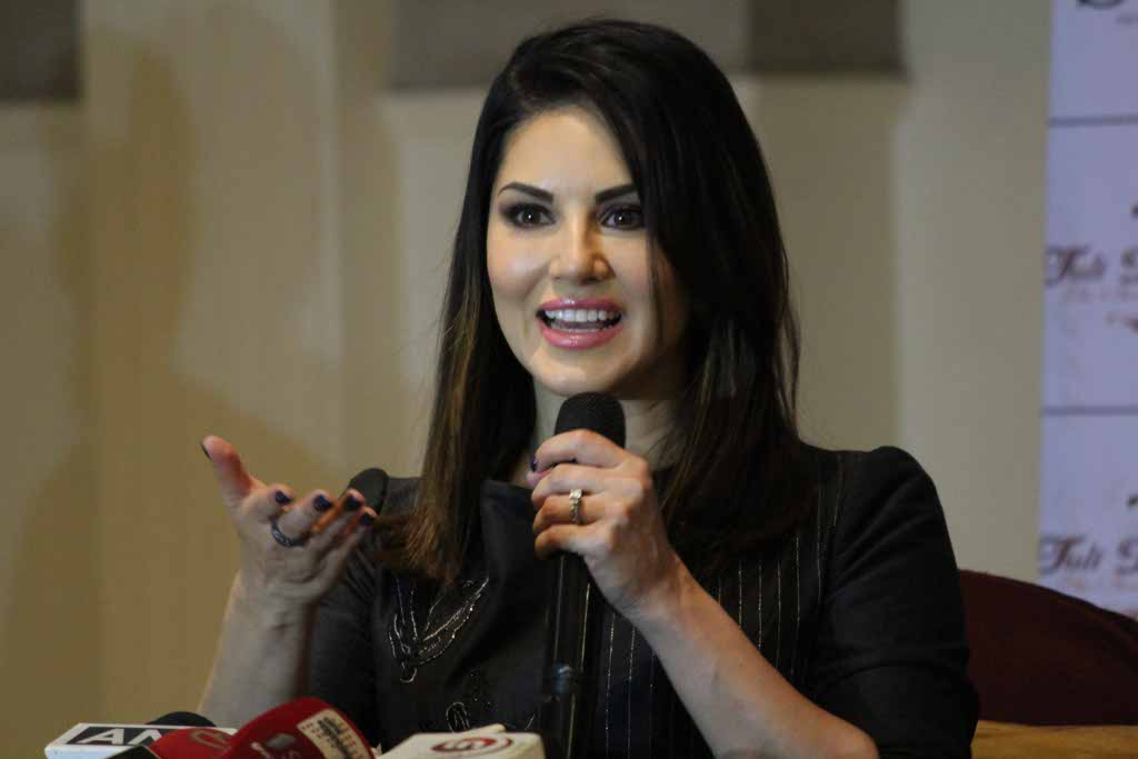 Actress Sunny Leone on Twitter shared how she regretted and missed having her former self Karenjit Kaur Vohra (Sunny's original name) close her once more.