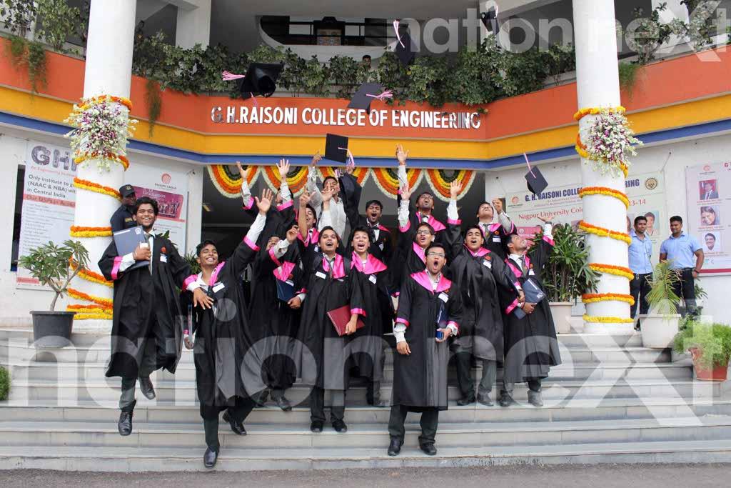GH Raisoni Engineering College conducts second graduation ...