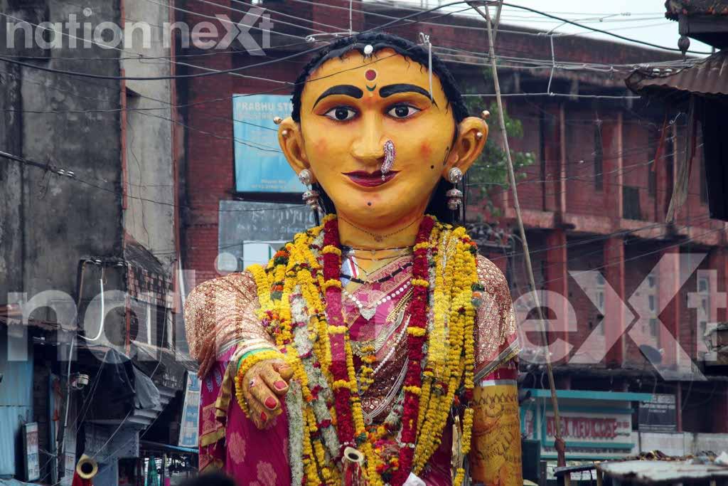 132nd year celebrations of Pili Marbat saw Nagpurians burning social evils and dancing on Zingaat