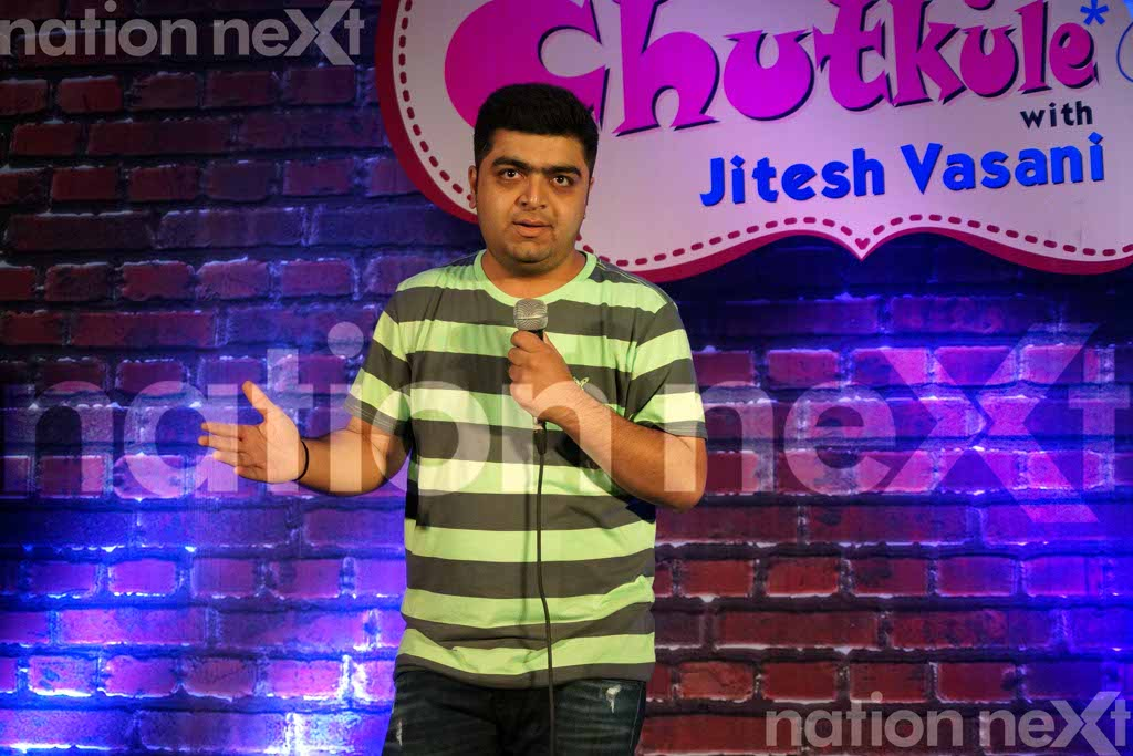 The stand-up comedy show - Naye Chutkule with Jitesh Vasani, curated by Paperboat Entertainment was organised at Chitnavis Centre, Nagpur.