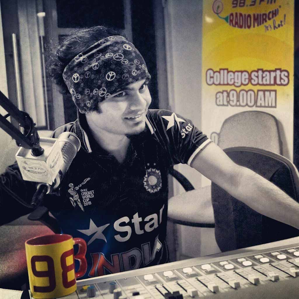 Contemporary RJs in Radio Mirchi and other radio stations in Nagpur are shocked and saddened with RJ Shubham's untimely death.