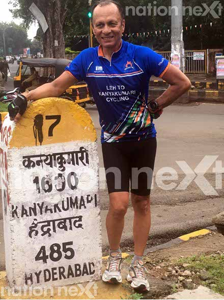 Gagan Khosla, a 59-year-old man, travels from Leh to Kanyakumari (approx 4000 kms) crossing 13 states in 29 days on his cycle to inspire Indian youth!