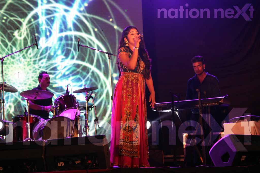Singers Antara Mitra and Anubhav Singh Suman entertain Nagpurians at the Durgautsav celebrations