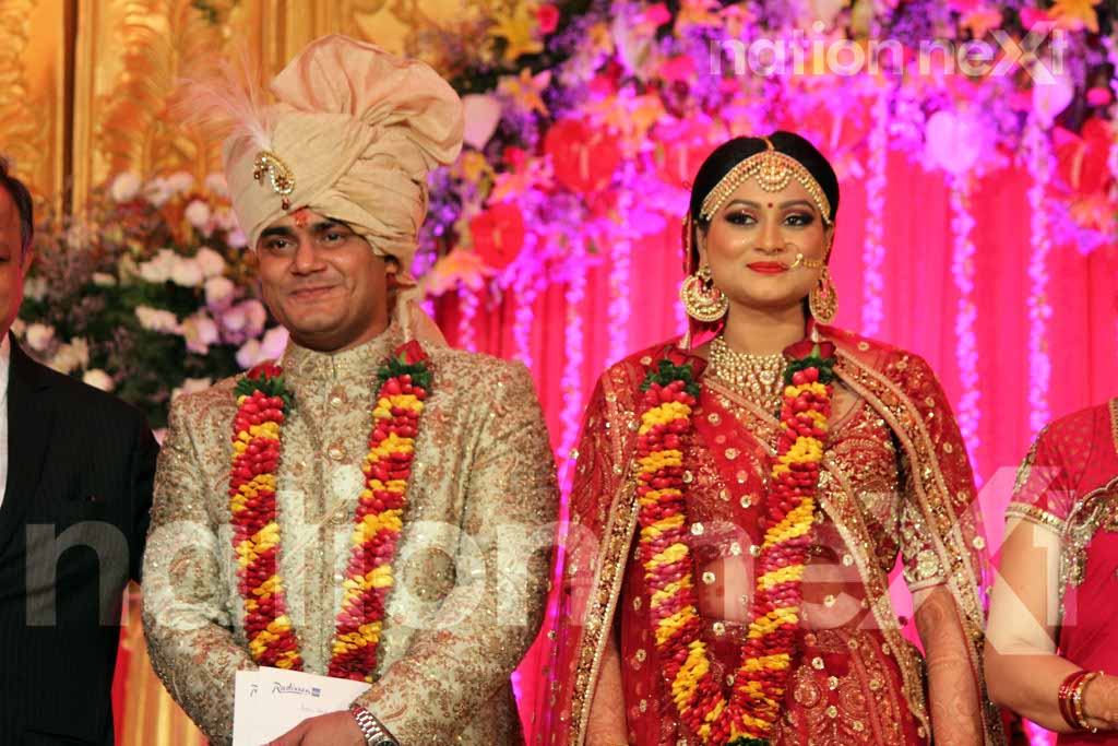 Nagpur's who's who pour in to bless Swarnima and Devranjan Mishra at their wedding reception