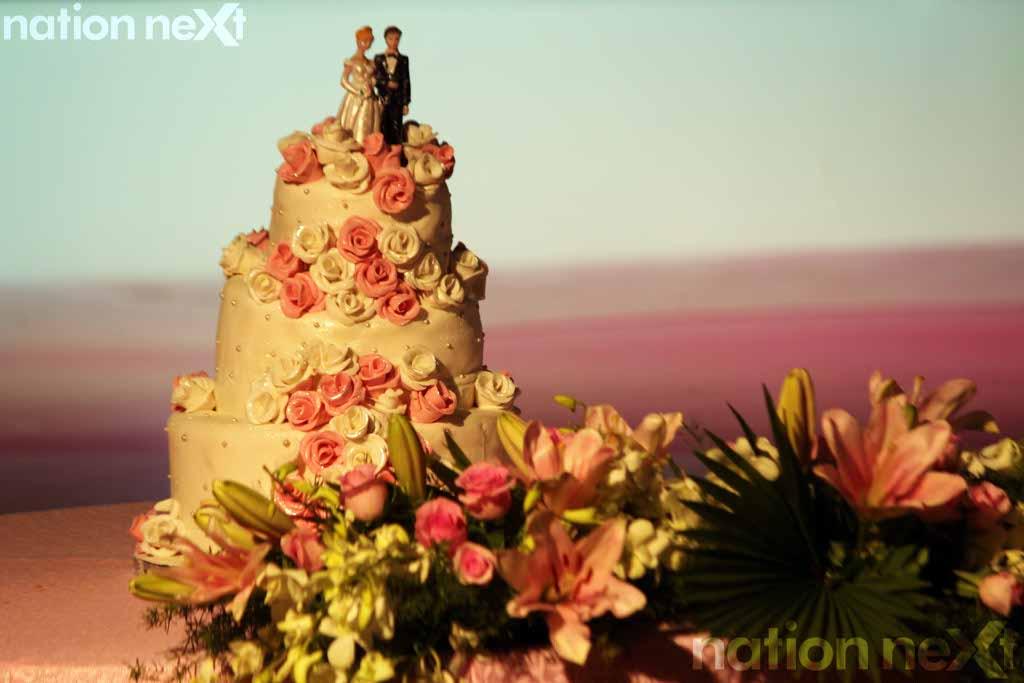 Cake Images Kartik : Swarnima Khare and Devranjan Mishra s engagement ceremony