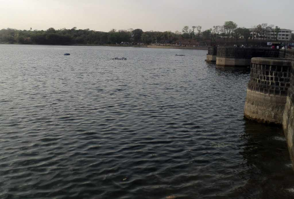 Couple commits suicide by jumping in Futala lake at around 3:20 pm in the afternoon. Their family disapproved of their relationship.