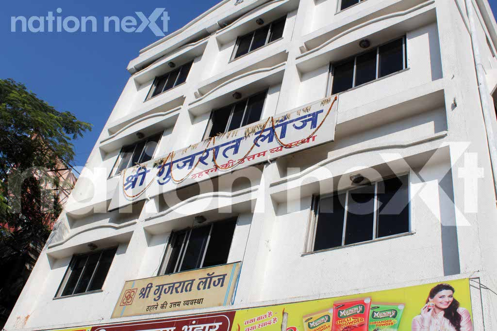 A 35-year-old married woman was murdered by her 27-year-old lover yesterday at Gujarat Lodge situated in the Cotton Market area, Nagpur.