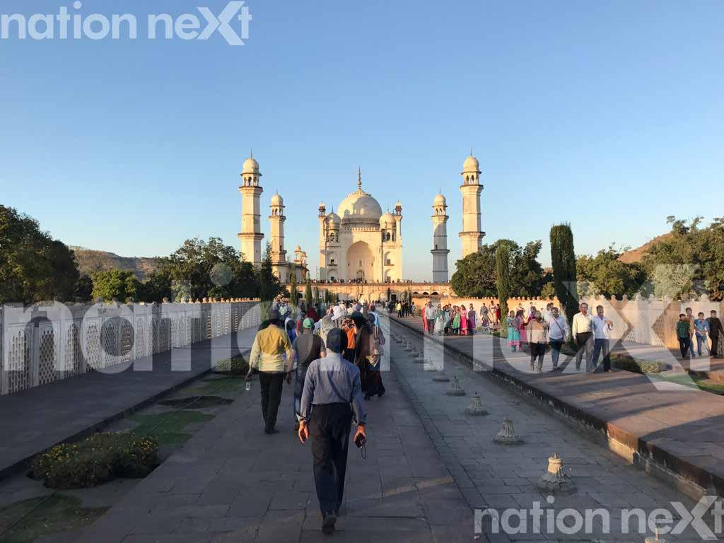 Bibi-Ka-Maqbara mausoleum in Aurangabad was built in 1678 by Mughal Emperor Aurangazeb's son Azam Shah in the memory of his mother Rabia-ud-Daurani.