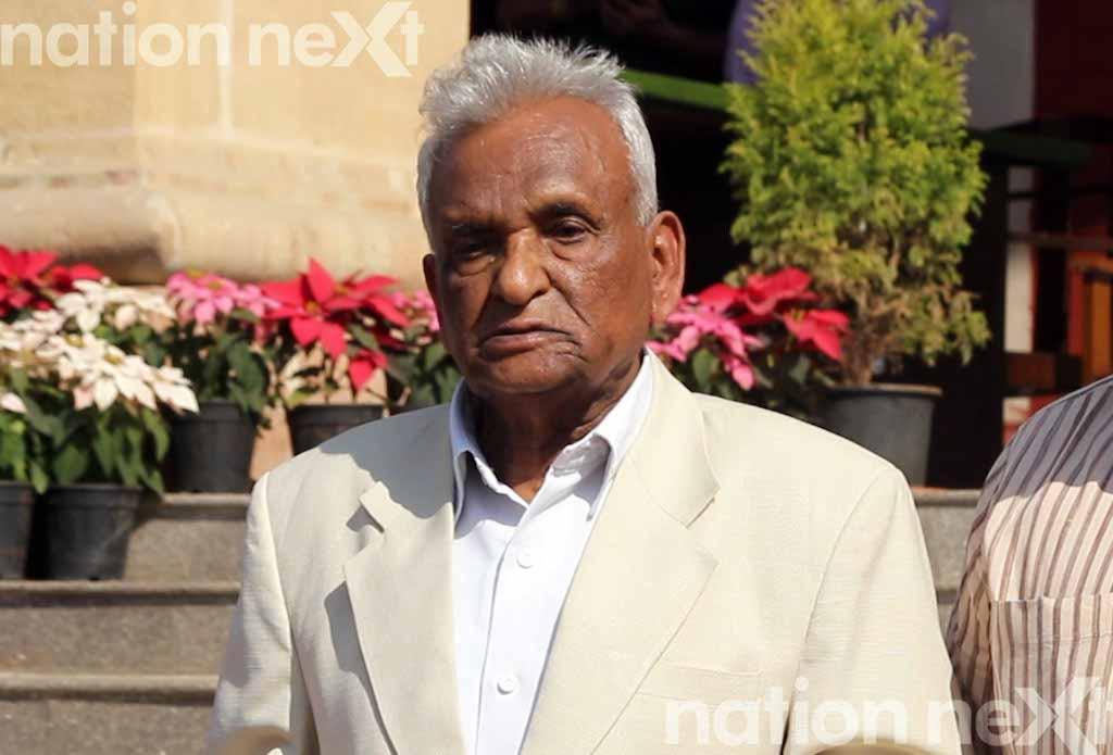 Ganpatrao Deshmukh during the Maharashtra Legislature winter session 2016 raised the issue of water shortage problems in Solapur owing to improper rains.