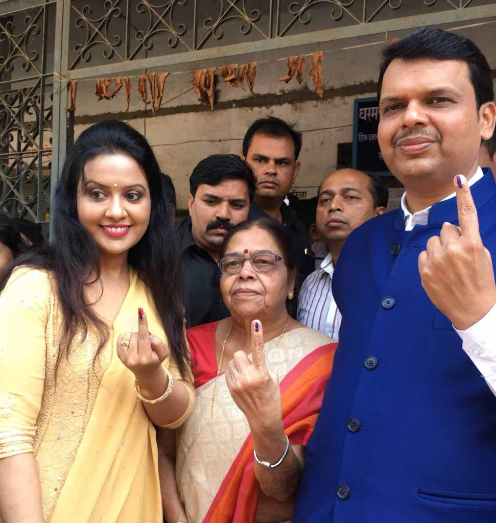 Maharashtra CM Devendra Fadnavis also exercised his right to vote by voting with his mother and his wife for the NMC polls.