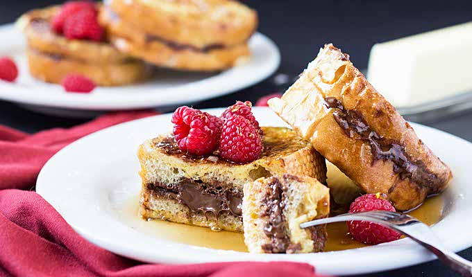 Here's how you can enjoy your sinful Nutella with these quick home-made recipes!
