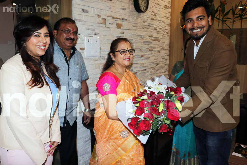 Kanchan Gadkari, wife of cabinet minister Nitin Gadkari recently inaugurated the unisex salon – Studio Hair Habits - at SJTI Complex, Sadar, Nagpur.