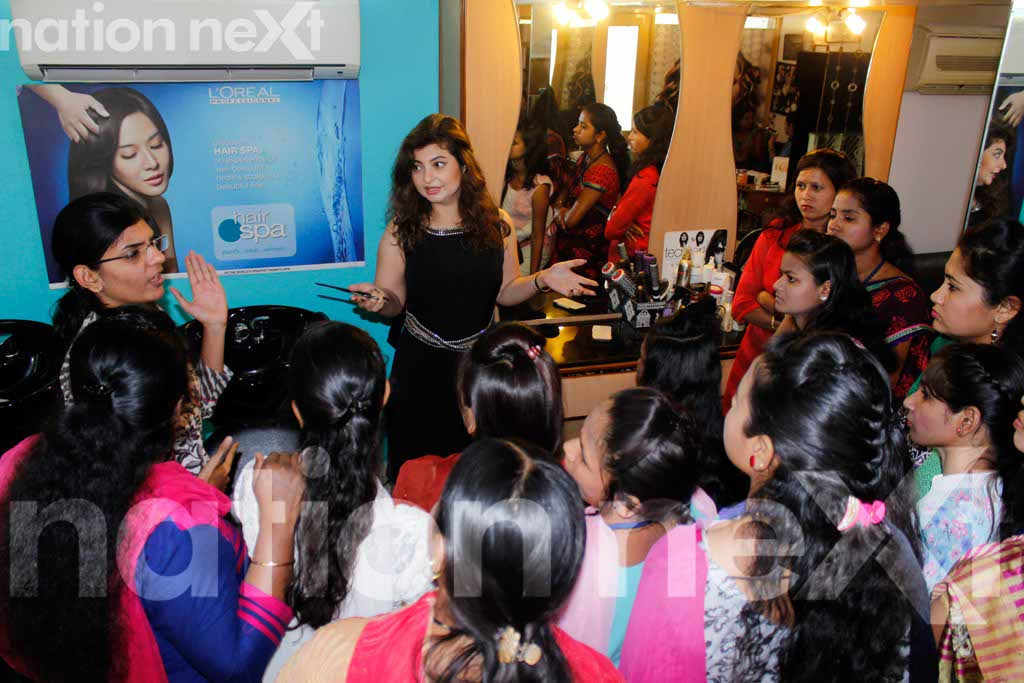 INSPIRING: Jasmine Gimi trains fourteen deaf and dumb women from Nagpur to become beauticians