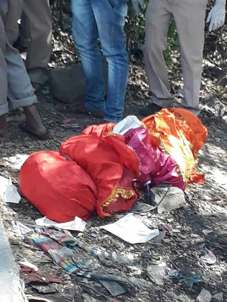 A highly decomposed body of a 30-year-old man was found today in the afternoon by Defence employees near Sitabuldi Fort, Nagpur.