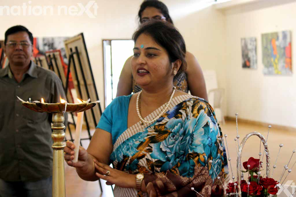 Genesys Foundation organises Sudhir Talmale's painting exhibition at Chitnavis Centre, Nagpur