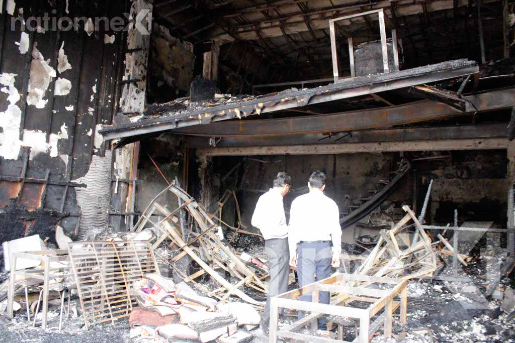 Yesterday night at around 11:30 pm, a major fire broke out at the Skipper Furnishing showroom situated near Bajaj Nagar Square, Nagpur.