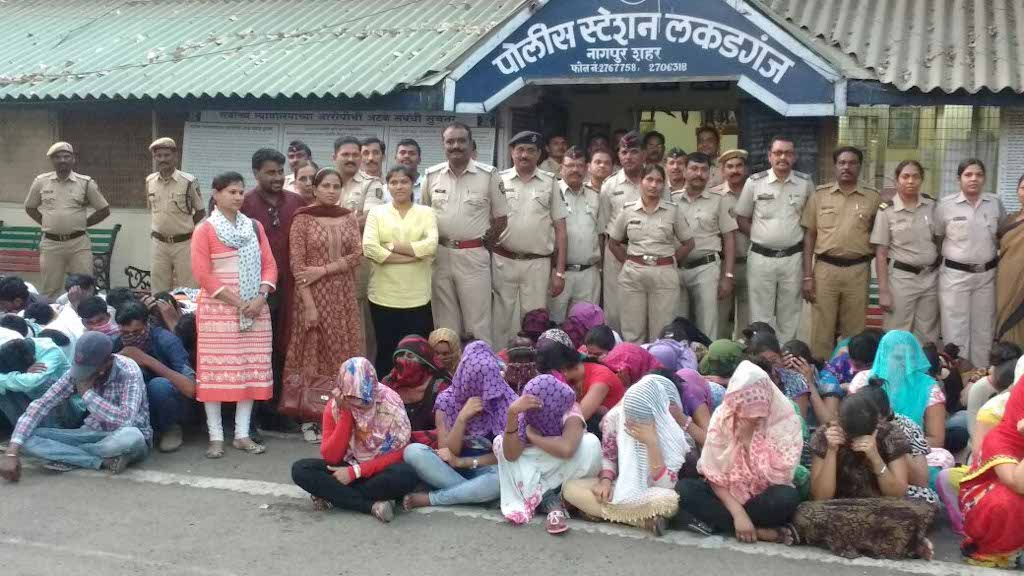 60 Seconds Story: Nagpur Police raids Ganga Jamuna; finds several minor girls in pits dug beneath the beds