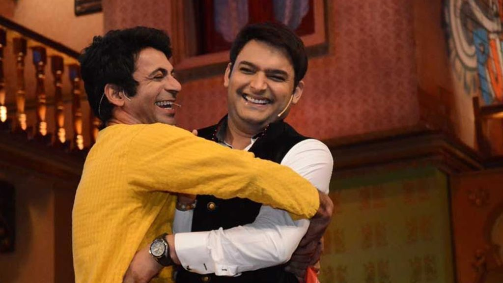 As per the eyewitness, Kapil Sharma not only abused and held Sunil Grover by his collar but also threw his shoe at the fellow comedian!