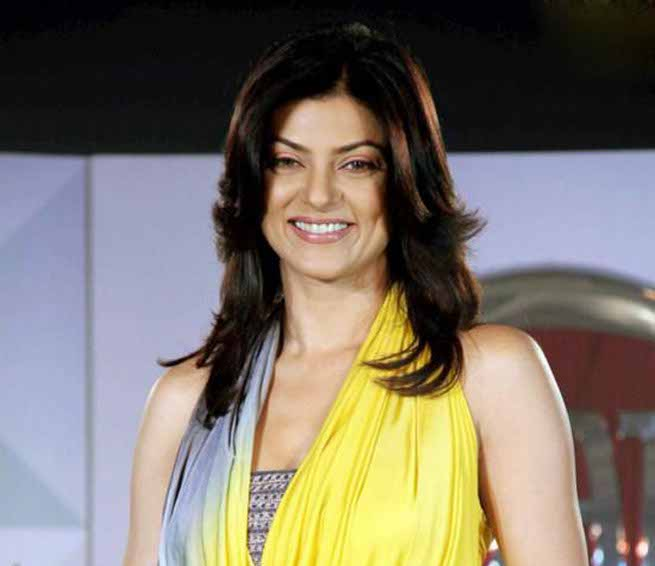 Sushmita Sen uploaded a video wherein she can be seen dancing on 'Shape of You' with her adorable daughter Alisah near a swimming pool.