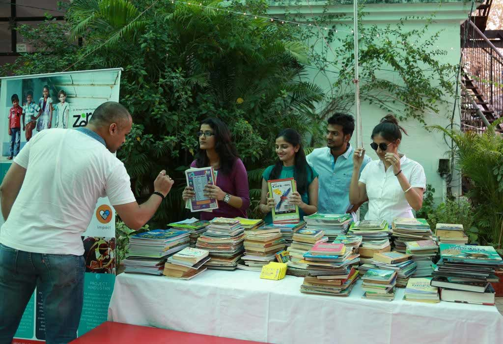 Dr Shrikant Jichkar Foundation's NGO - Zero Gravity - recently held a book drive and an open mic evening at Sandipani School, Nagpur.