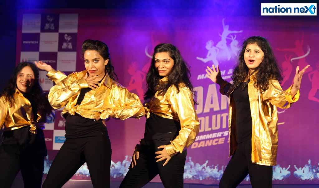 Manch and D2F had organsied - Dance Evolution VII - whose grand finale was held on June 18, 2017 at Deshpande Hall, Nagpur.
