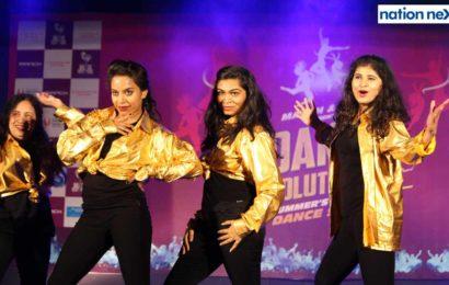 18-06-2017-Sayali Choudhary along with the group- Manch -Dance Evolution VII -Deshpande Hall- Himashu
