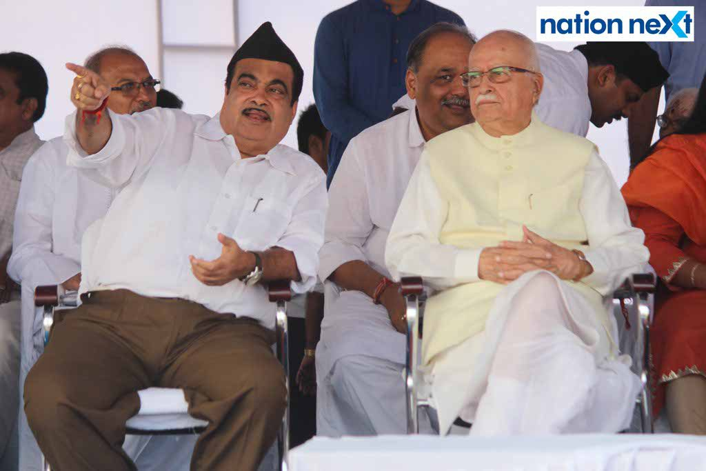 29-09-17-Nitin Gadkari and LK Advani-Vijayadashmi celebrations by RSS-Amar Ashok Jajoo (2)