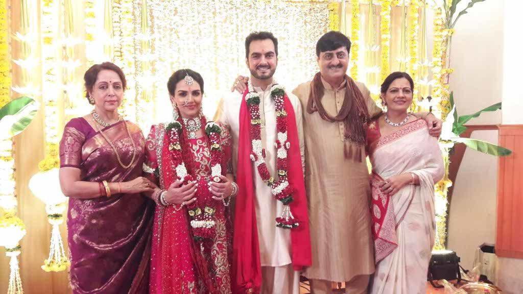 Esha Deol renews wedding vows