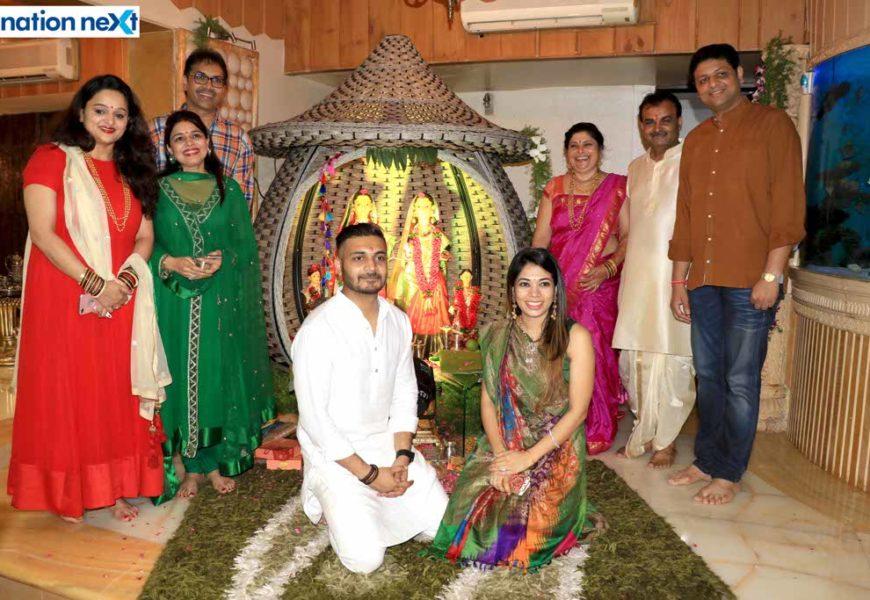 Devotees seek goddess Mahalakshmi's blessings at Mahaprasad by Munde family in Nagpur