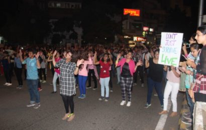 Nagpur psychotherapists launch a depression awareness campaign with a flash mob