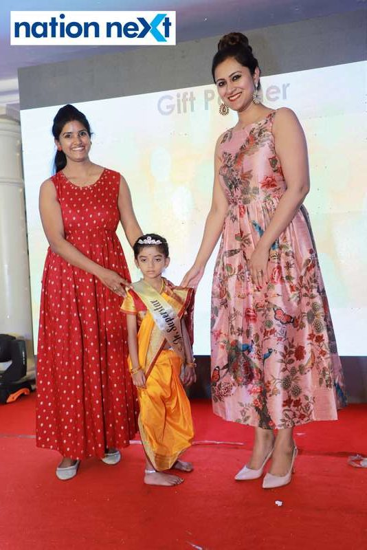 Junior Superstar title winner Avni Dave and her mother with Dr Vartika Patil (right) at Darlings of Nagpur contest held at Hotel Tuli Imperial