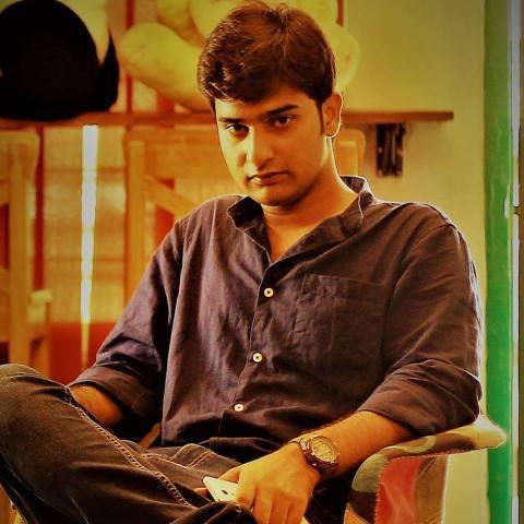 Nitin Gadkari too jumped in the 'biopic bandwagon' after Nagpur-based director Anurag Bhusari uploaded a trailer of his film titled 'Gadkari.'