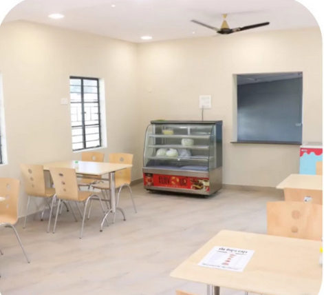 Bhandara Police Station becomes the first police station in Maharashtra to come up with a quirky cafeteria – The Cop's Café.