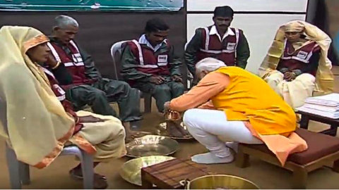 PM Modi washed the feet of sanitary workers in Prayagraj for keeping the on-going Kumbh mela clean despite a gathering of around 20-22 crore people.