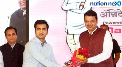 Vaibhav Maheshwari and Devendra Fadnavis during Navrashtra Sarpanch Samrat and Agritech Award ceremony in Nagpur