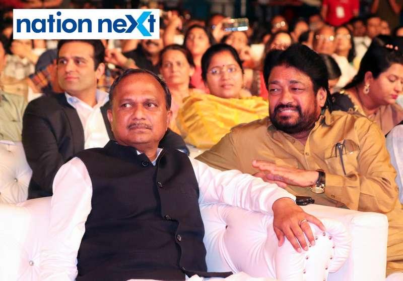 MP Krupal Tumane and MLC Prakash Gajbhiye at Sur Jyotsna National Music Awards 2019 held in Nagpur