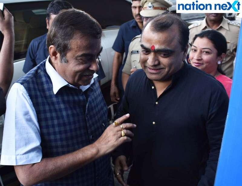 Union Minister Nitin Gadkari and Sanjay Tiwari during Navrashtra Sarpanch Samrat and Agritech Award ceremony in Nagpur