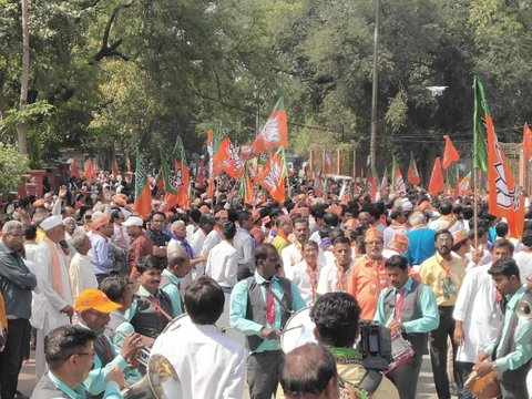 Hundreds of BJP workers gathered to show their support towards Nitin Gadkari as he filed his nomination from Nagpur Lok Sabha Sabha constituency today.