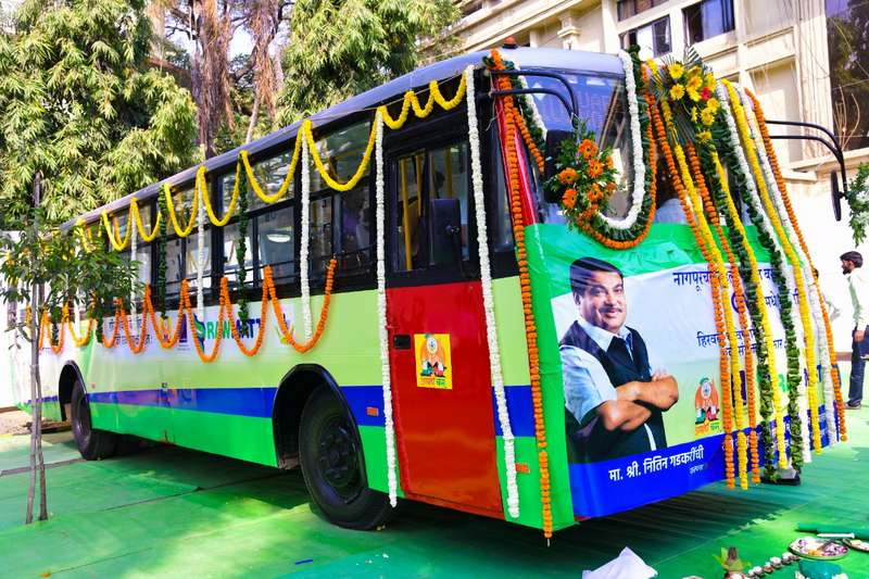 Union Minister Nitin Gadkari, on March 2, flagged off Nagpur's first CNG bus (converted from diesel) at NMC Campus situated in Civil Lines.