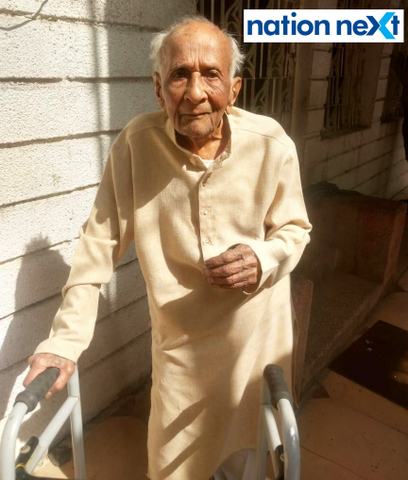 Nagnath Kale, a 100-year-old Nagpurian and a resident of Ajni Square, cast his vote in Nagpur for the 2019 Lok Sabha elections today.