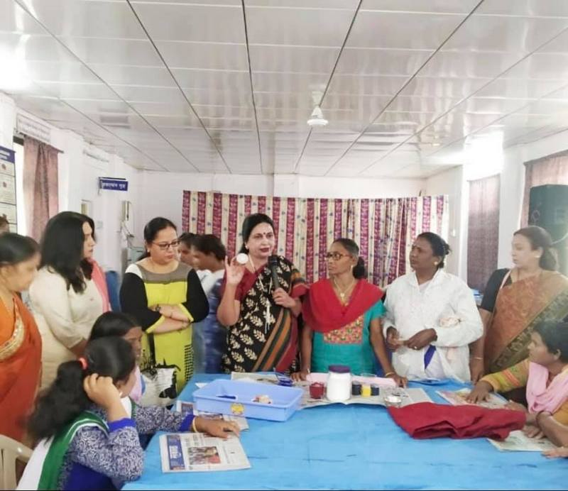 Psychworks clinic along with JCI Nagpur Feme and LAD College recently organized a workshop to empower women patients of Regional Mental Hospital of Nagpur.