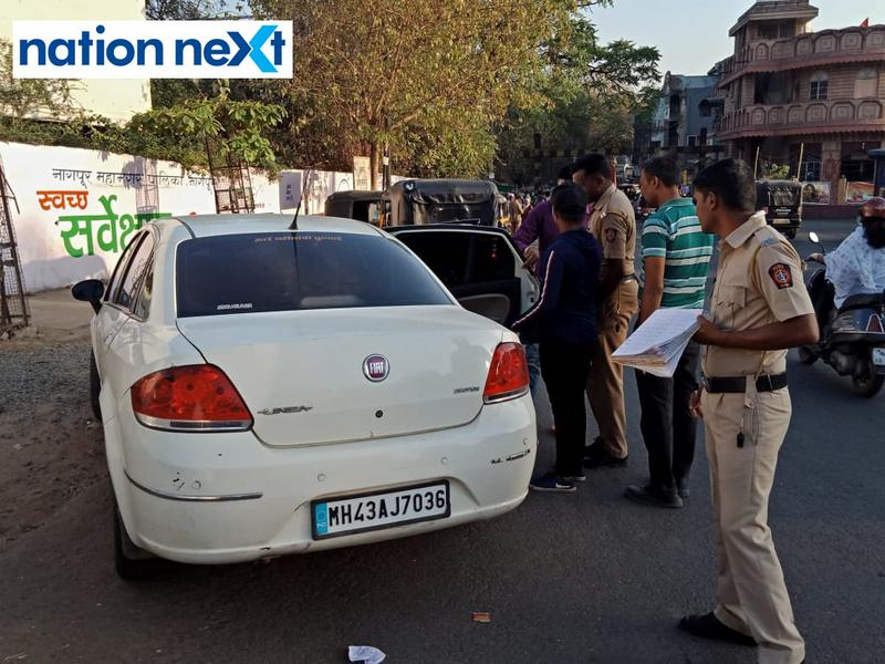 With barely few hours to go for the Lok Sabha polling tomorrow, Nagpur police are leaving no stone unturned by screening vehicles in the city.
