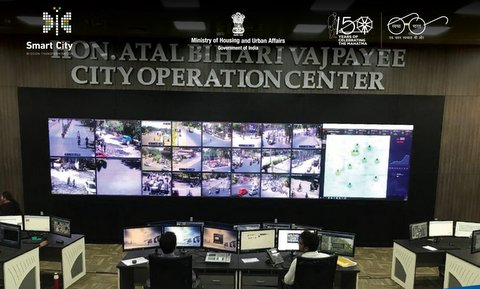 City Operation Centre has been set up to centrally monitor more than 3600 cameras, which have been installed at 700 critical junctions across Nagpur.