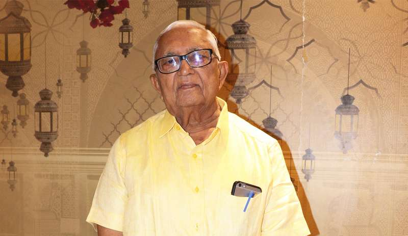 Proving that age is just a number, 80-year-old Dr Jay Narayan Jayswal, has completed his PG Diploma course from Nagpur's National Cancer Institute.