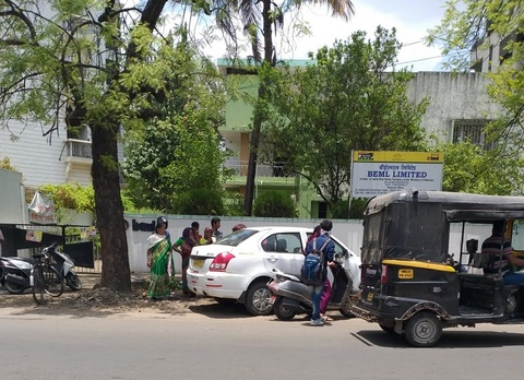 As per reports, dead body of an Ola cab driver was discovered inside a car at Ramnagar Square in Nagpur on Saturday afternoon.