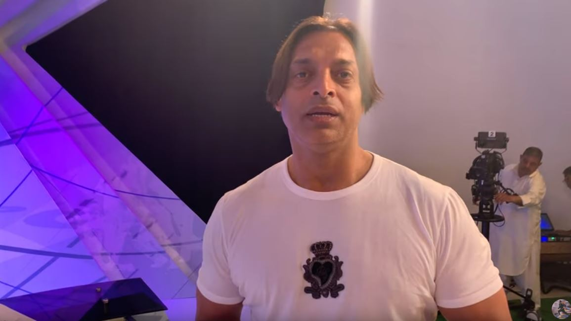 After Pakistan's dismal loss against WI in ICC World Cup 2019, former pacer Shoaib Akhtar called Pakistan skipper Sarfaraz Ahmed 'unfit' and 'fat'.