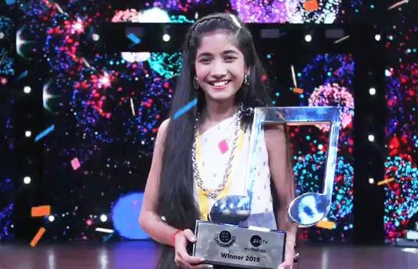 Sugandha Date after winning Zee TV's singing reality show Sa Re Ga Ma Pa Li'l Champs.