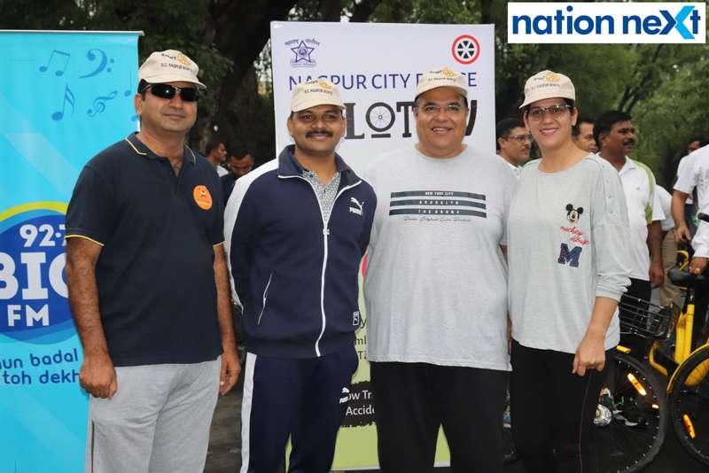 DCP Gajanan Rajmane, Ajay Kapoor and Jyoti Kapoor during 'Cyclotsav' organised by Nagpur Police