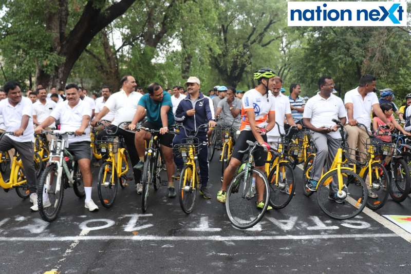 Cops and cycling enthusiasts during 'Cyclotsav' organised by Nagpur Police